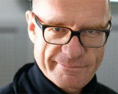 Der renommierte Musikjournalist, Moderator und Kurator Albert Hosp übernimmt ab 2018 die künstlerische Leitung vom Festival Glatt&Verkehrt.
