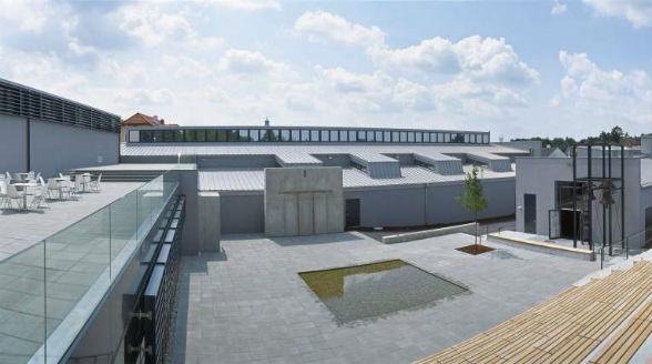 nitsch museum, Piazza